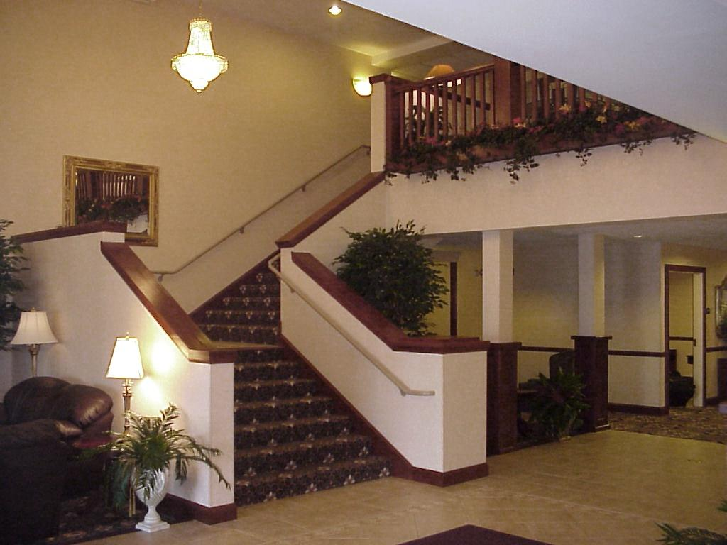 Holiday Inn Hotel & Suites - Winona